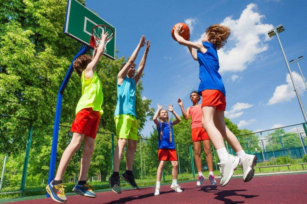 Kids playing basketball outside, optometrist, eye exam, Spring, TX